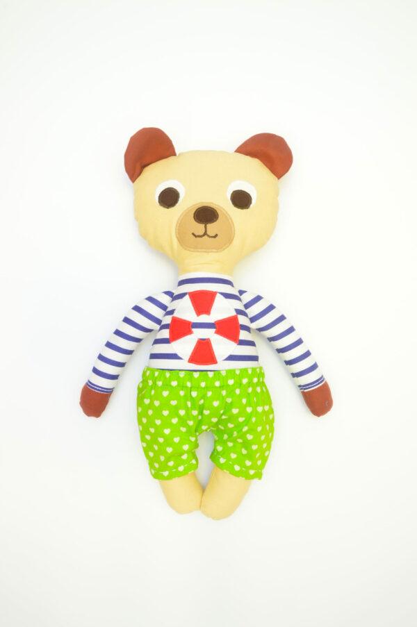 medvídek František v zalených kalhotkách se srdíčkama