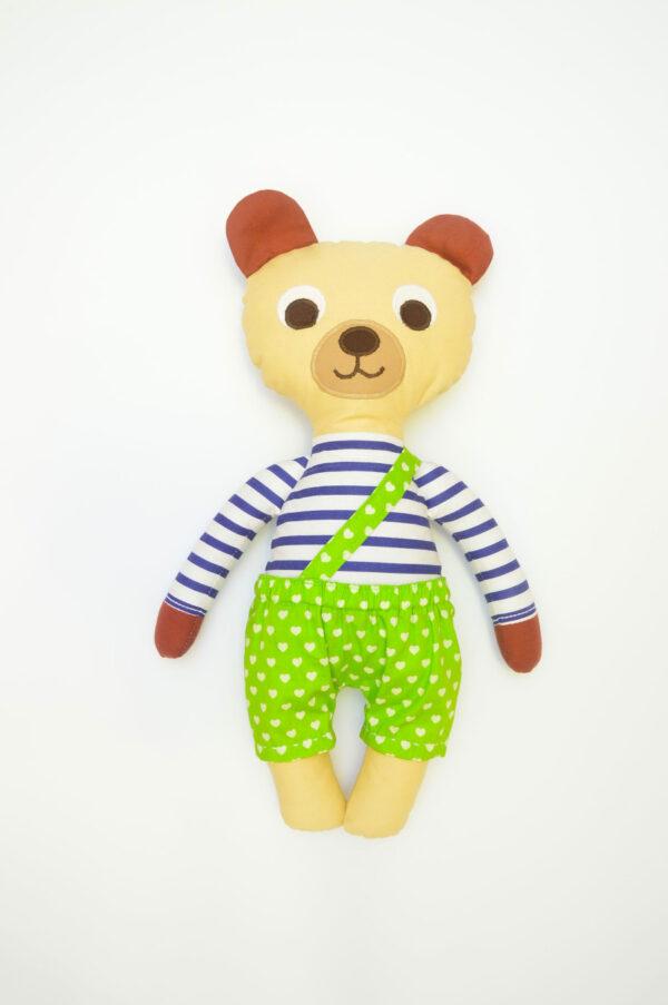 medvídek Hugo v zelených kalhotkách se srdíčky
