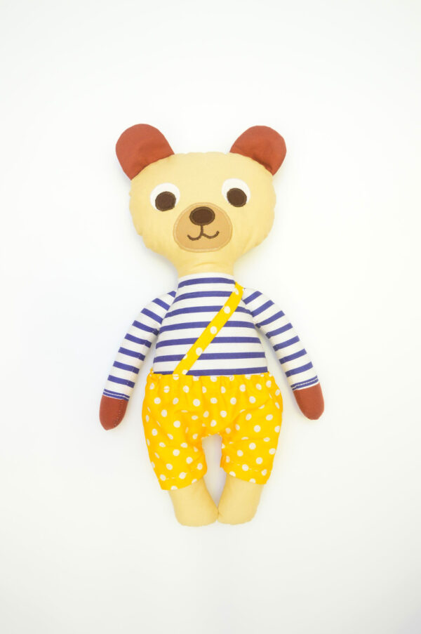 medvídek Hugo v žlutých kalhotkách