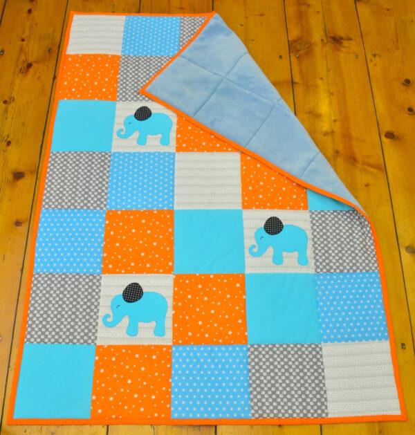 dětská deka s hvězdičkami a modrým kožíškem